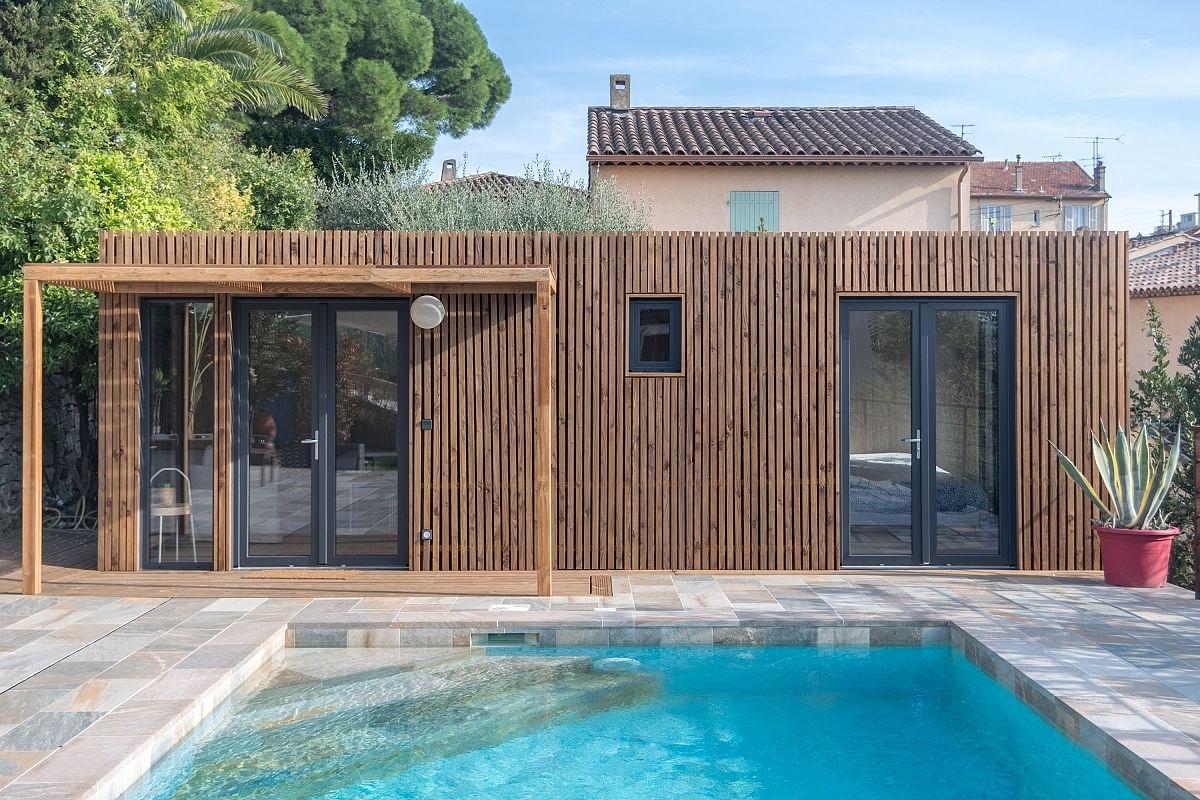 Plan Ou Photo Pool House Pour Piscine découvrez ce magnifique pool house en bois pour l'été